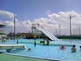 夏です、プールです