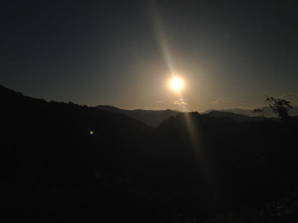夜明けの太陽1