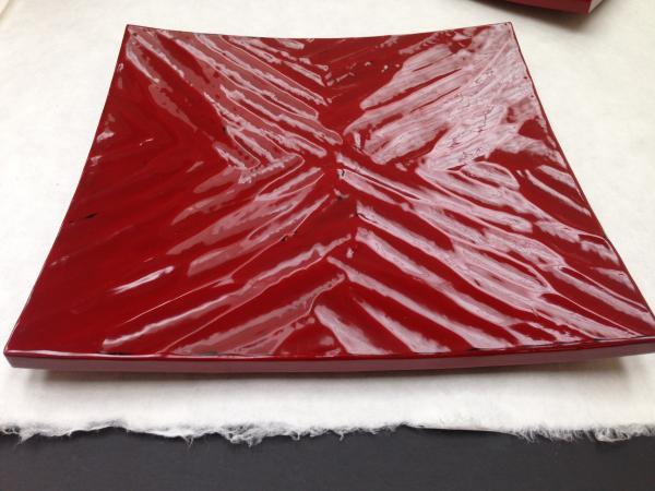 朱塗り研ぎ出し四方皿2