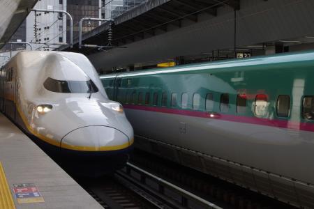 E4系 E5系 東京駅