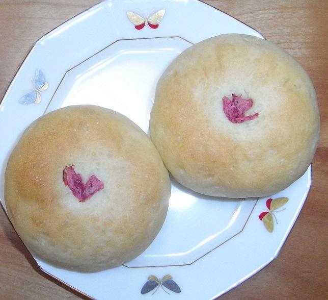 お焼きサクラあんパン