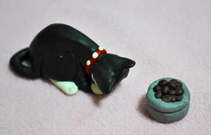 mimi eats DSC_3540