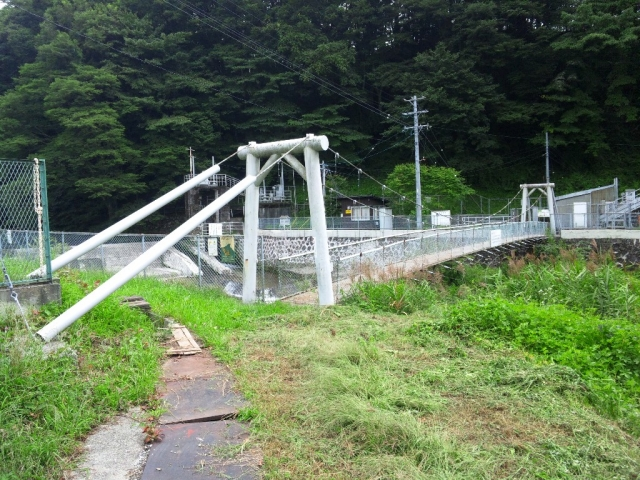 福沢ダムの吊橋 (2)