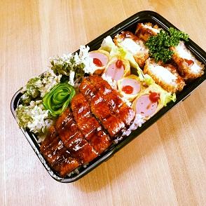 タラの芽の天ぷら入り弁当