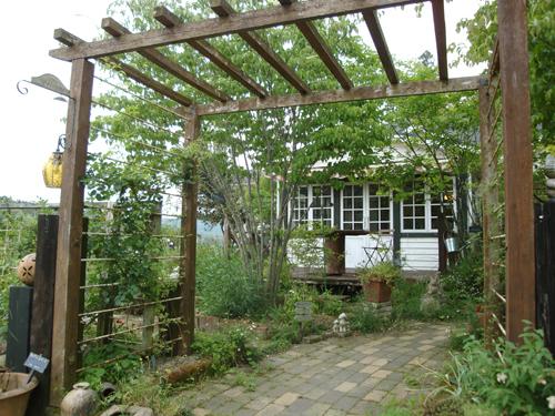 20120521_花いっぱいのお庭