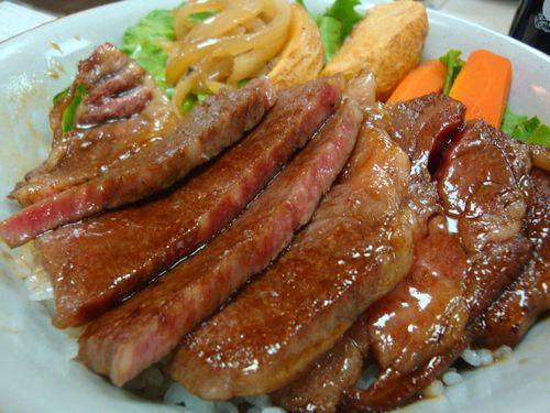 寶来亭_松阪牛ステーキ丼01