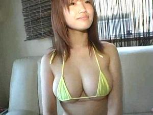 美巨乳ロリカワ女優がデビュー前にテスト撮りしていた未発売映像 ③
