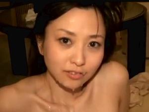 旦那が仕事してる間に新妻はハメ撮りで性欲解放している