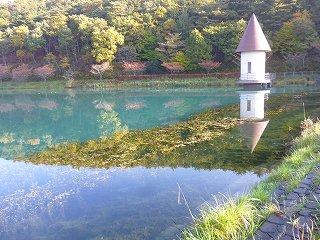 s-P1050069岳温泉鏡が池となりため池