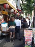 西新橋 肉屋のどんぶりかんじょう 半額DAYは大混雑(2012/10/26)