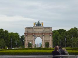 ルーブル美術館から凱旋門まで