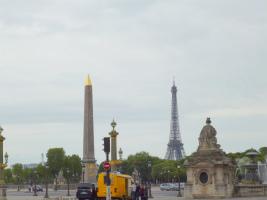 コンコルド広場とエッフェル塔