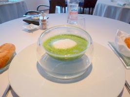 クレソンのスープ・卵のポシェ