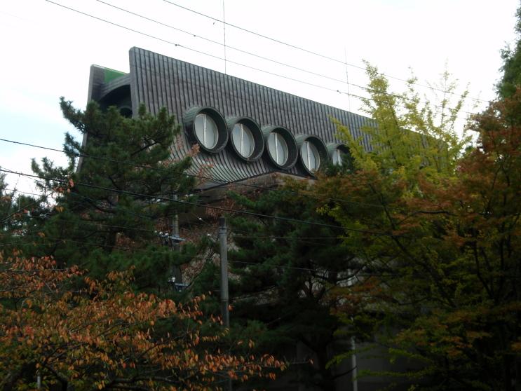blog_import_4f812ceaf1b1a 平野政吉美術館の採光-2