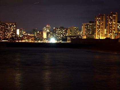 サンスーシービーチからの夜景