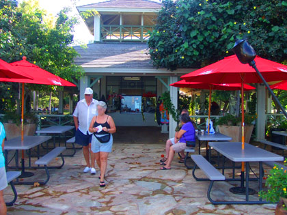 ハワイ 『クイーンズサーフカフェ&ラナイ』