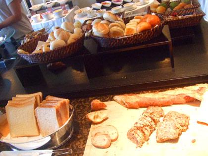 シャングリラホテル 東京 レストラン『ピャチェーレ』