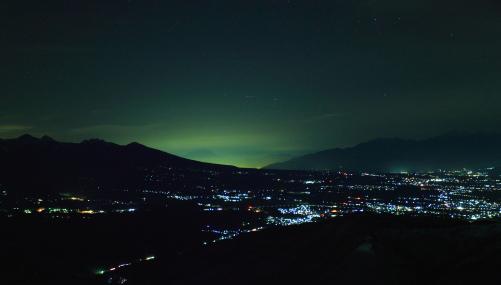 南アルプスと八ヶ岳と富士の見える夜景