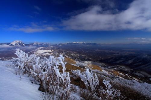 車山から望む雲湧く八ヶ岳