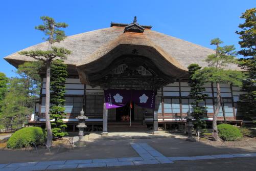 前山寺の本堂