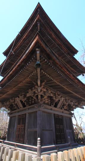 前山寺の三重塔