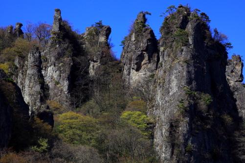 林立する岩塔針峰群