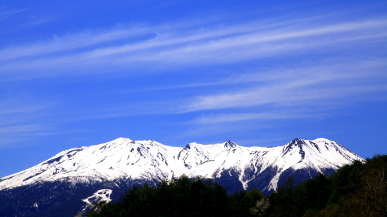 霊峰御岳と雲