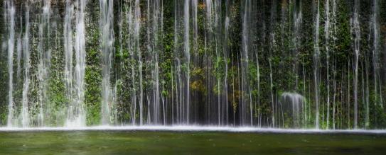 水のカーテン・白糸ノ滝
