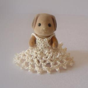 いぬの赤ちゃんのドレス
