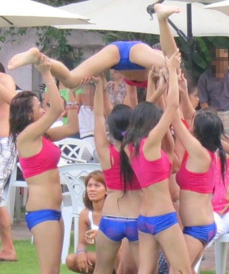 Miss DH2012 poolparty117