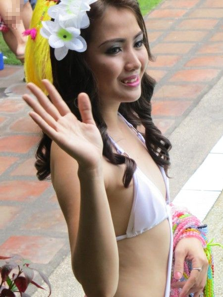 Miss DH2012 poolparty55