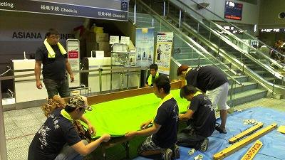 20120729空港展示組立4