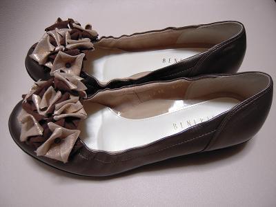 ブロンズの靴