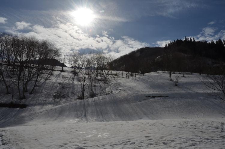 春の雪山-3