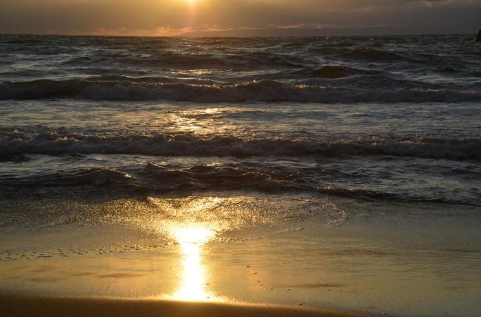 夕陽の海岸-1