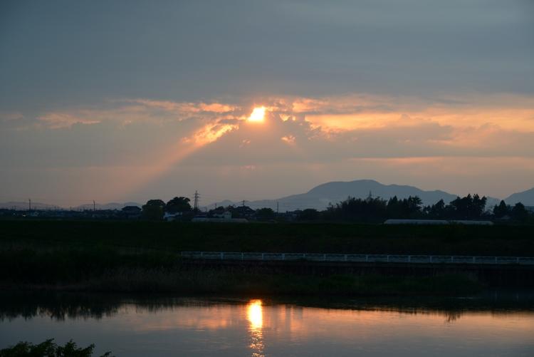一瞬の夕陽-1