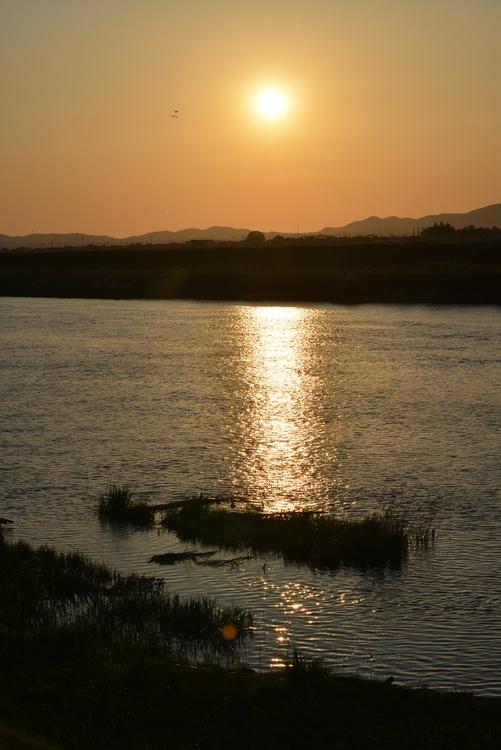 夕陽 川面-1