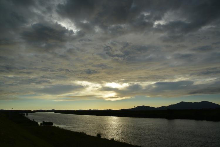 フェーン現象の夕陽-1