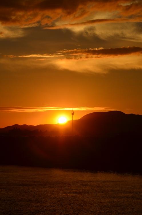 フェーン現象の夕陽-3