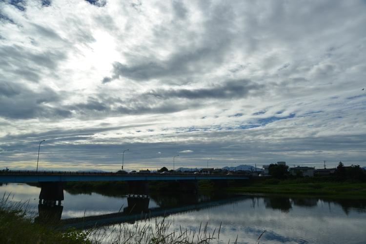 川と空と-1