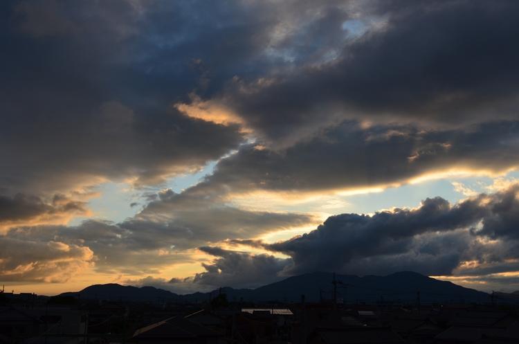 夕焼け時の雲-3