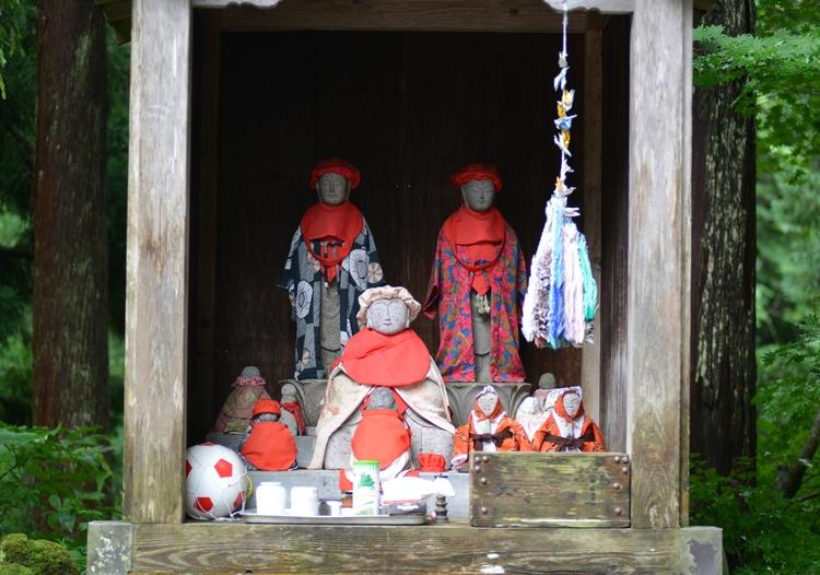 山奥の神社-1