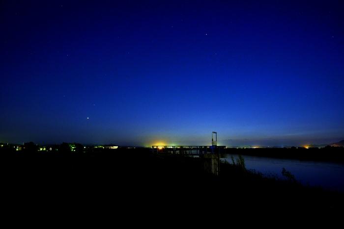 夕暮れ後の明かり-3
