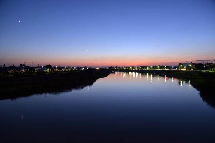 今日の夕暮れ 川-1