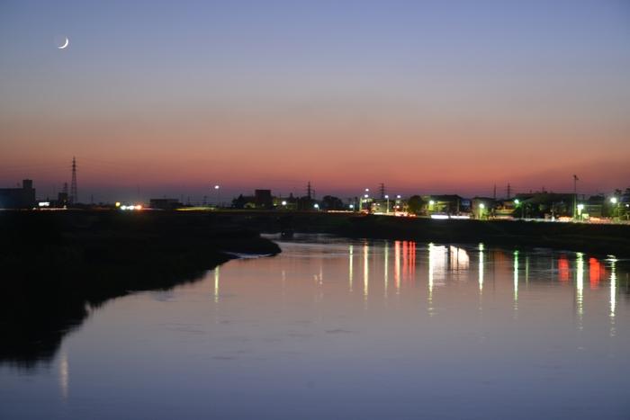 今日の夕暮れ 川-2