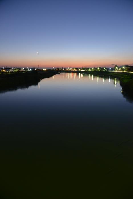 今日の夕暮れ 川-3