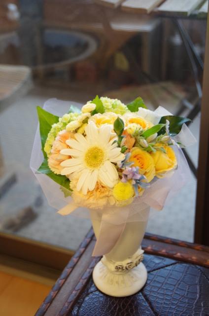 2013.6ジューンブライドに♪ミニブーケ(おしゃれな花器とプリザのブートニア付き)p11