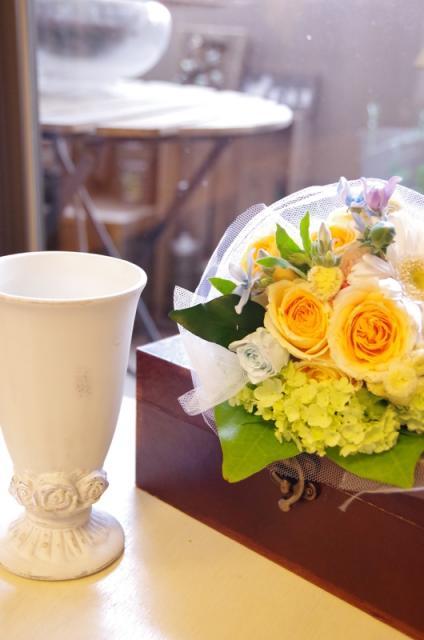 2013.6ジューンブライドに♪ミニブーケ(おしゃれな花器とプリザのブートニア付き)p8