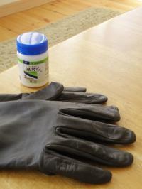 P7070037手袋とワセリン
