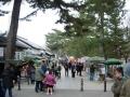 140104奈良公園大仏前の賑わい